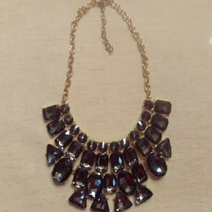 Woman's statement necklace
